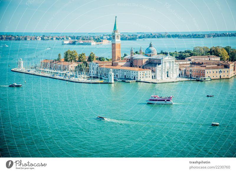 Blick auf Venedig Ferien & Urlaub & Reisen Tourismus Ausflug Abenteuer Ferne Freiheit Sightseeing Städtereise Kreuzfahrt Meer Insel Wellen Landschaft Wasser