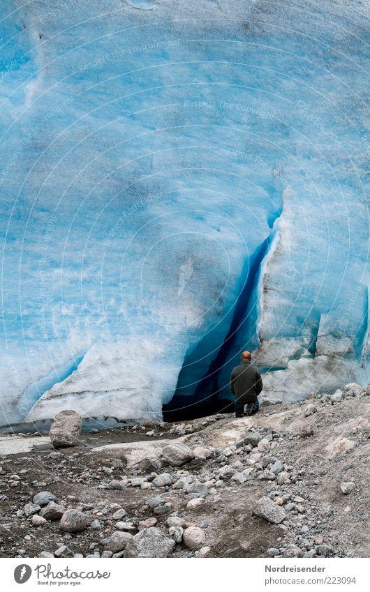 Eiszeit Mensch Mann Natur blau Ferien & Urlaub & Reisen ruhig Leben Erholung kalt Berge u. Gebirge Stein Umwelt Erwachsene wandern Abenteuer