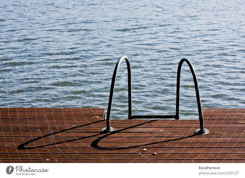 The Swimmingpool Natur blau Ferien & Urlaub & Reisen Wasser Sommer ruhig Erholung Umwelt kalt Sport Holz Schwimmen & Baden Metall braun Wetter Wellen