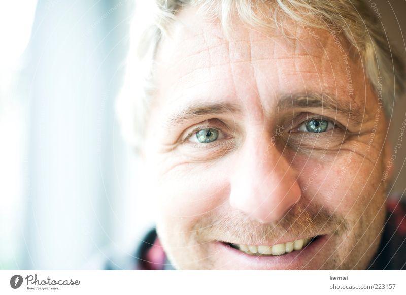 Zwei lachende Augen Mensch maskulin Mann Erwachsene Leben Kopf Gesicht Nase Mund 1 45-60 Jahre Lächeln Blick leuchten Zähne Verliebtheit Glück Freundlichkeit
