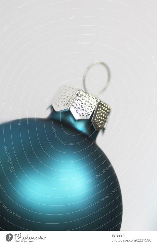 Big Christmas Ball Weihnachten & Advent blau Farbe Winter Lifestyle Gefühle Stil Feste & Feiern Design hell Dekoration & Verzierung modern liegen glänzend