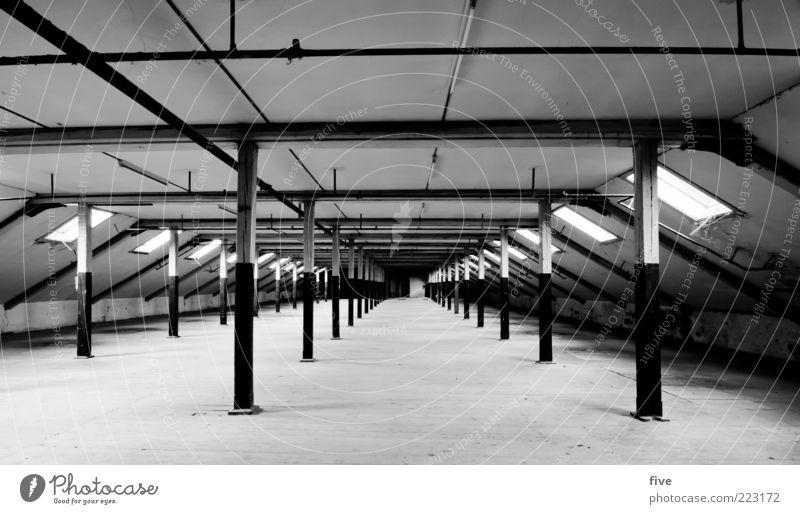 room04 alt weiß Haus schwarz dunkel Wand Fenster Holz Mauer Architektur Gebäude Raum Fabrik Dach Bauwerk