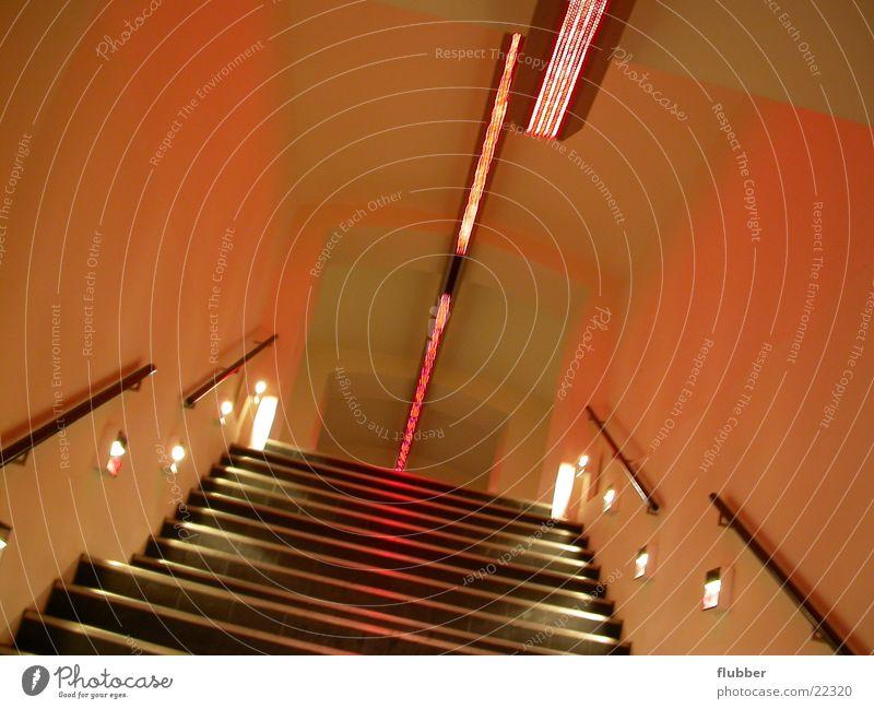 welcome to the plastic rot aufsteigen Gebäude Architektur Treppe leuchten Gang