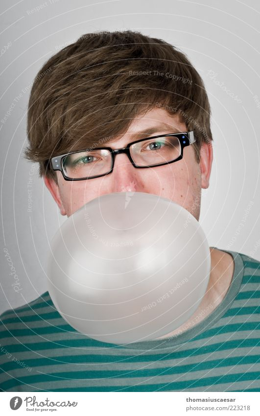 Aufgeblasen Mensch Jugendliche Freude Gesicht Auge Leben Spielen Kopf Haare & Frisuren Erwachsene Zufriedenheit elegant maskulin Lifestyle Brille