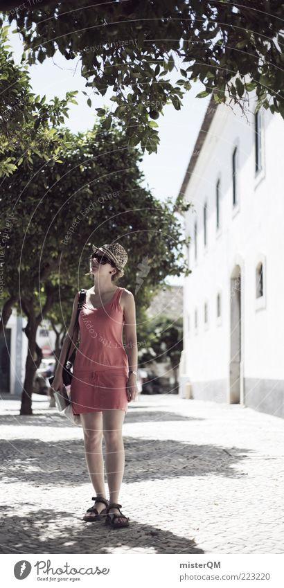 Flair. Frau Jugendliche Sommer Ferien & Urlaub & Reisen Zufriedenheit Suche Tourismus ästhetisch Reisefotografie beobachten entdecken Sonnenbrille Tourist Portugal Süden