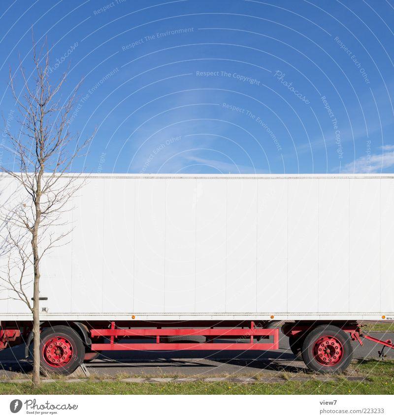 Hänger Umwelt Himmel Wolkenloser Himmel Schönes Wetter Baum Verkehr Fahrzeug Lastwagen Anhänger Metall Linie Streifen alt einfach weiß rein stagnierend