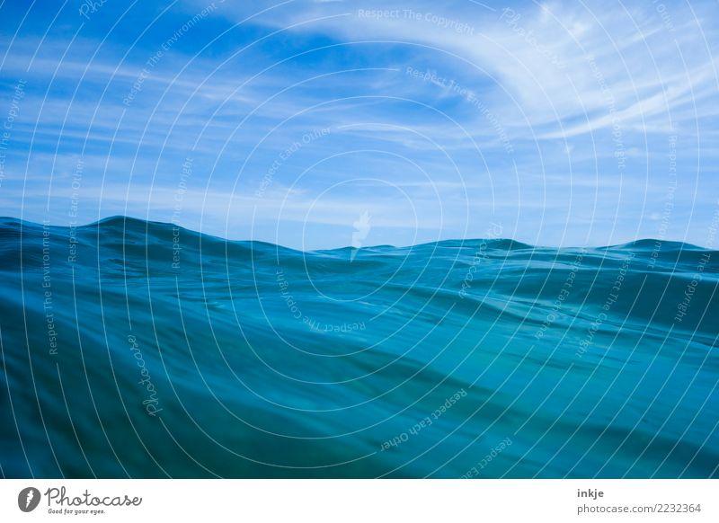 Textur bewegt bis wellig Ferien & Urlaub & Reisen Sommer Meer Wellen Urelemente Wasser Himmel Schönes Wetter Wasseroberfläche blau Wellengang Blauer Himmel