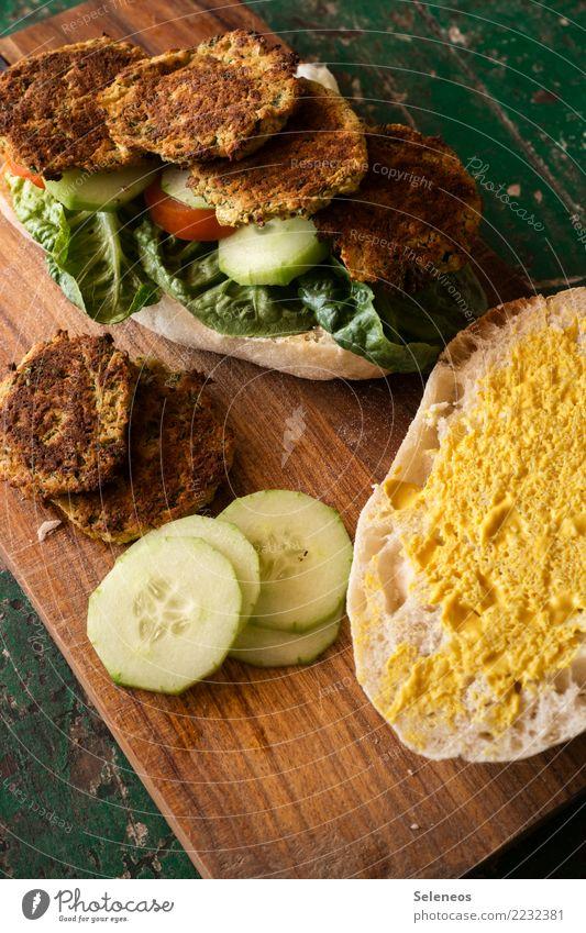 Falaffelburger Lebensmittel Gemüse Brötchen Hamburger Gurkenscheibe Tomate Salatblatt Ernährung Essen Mittagessen Picknick Bioprodukte Vegetarische Ernährung