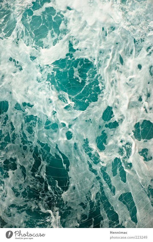 Schaumschlägerei. Whirlpool Natur Wasser Sturm Wellen Meer Flüssigkeit frisch kalt nass blau grün weiß Farbfoto Gedeckte Farben mehrfarbig Außenaufnahme