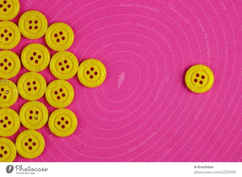 Mehrheit - Minderheit Knöpfe Zeichen Kommunizieren einzigartig rebellisch gelb violett Zusammensein Begierde Einsamkeit Gesellschaft (Soziologie) Konkurrenz