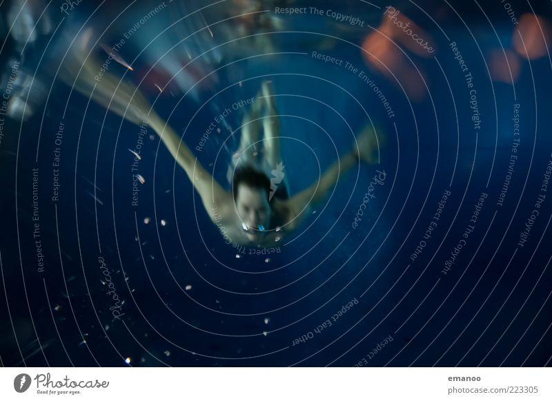 mariner Mensch Jugendliche Wasser blau Erwachsene kalt Sport Bewegung springen Luft Schwimmen & Baden maskulin einzigartig Schwimmbad 18-30 Jahre unten