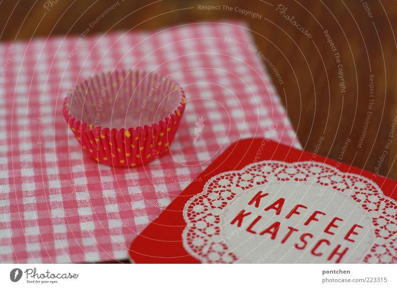 Kaffeeklatsch weiß rot Stil braun rosa Tisch ästhetisch Dekoration & Verzierung Kitsch ohne Wort trendy kariert Einladung altmodisch