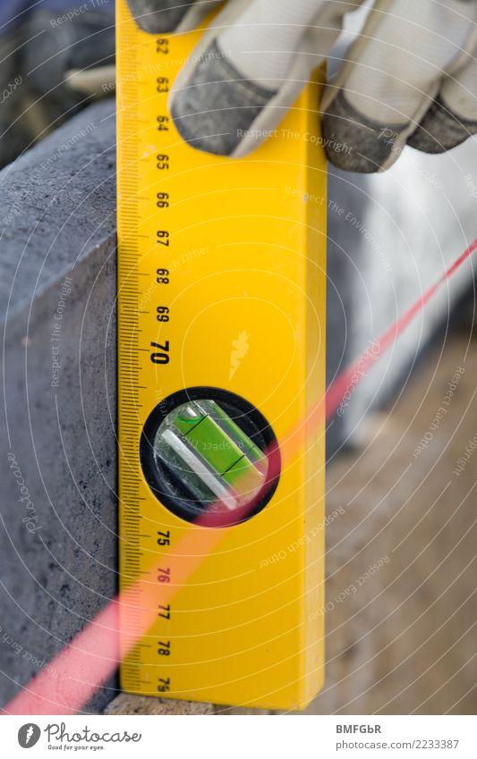 Aufbau Randstein prüfen Wohnung Garten Hausbau Renovieren einrichten Arbeit & Erwerbstätigkeit Beruf Handwerker Arbeitsplatz Baustelle Industrie Gartenbau