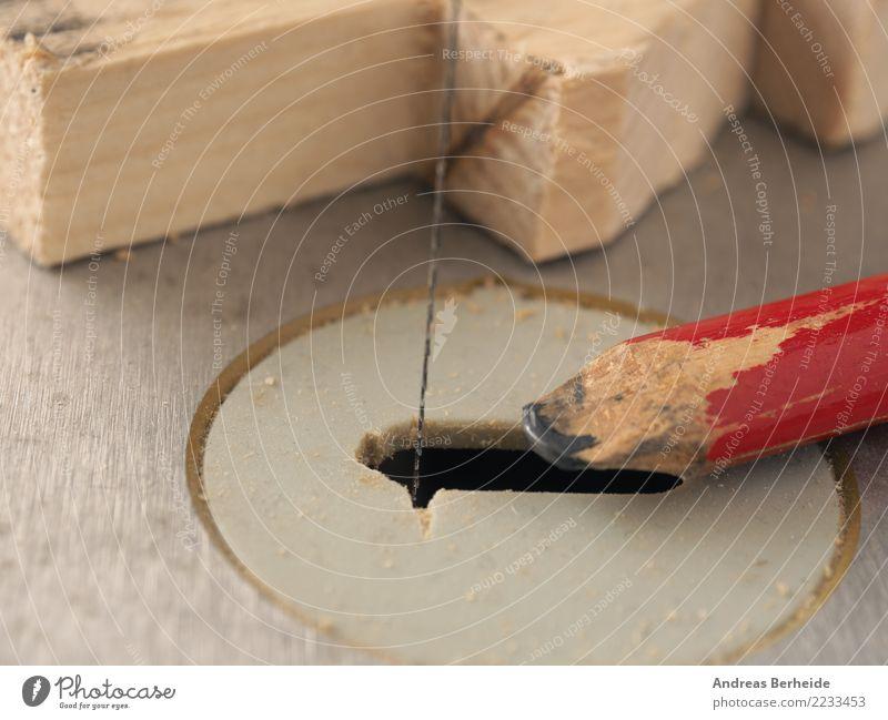 Werkstück und Bleistift auf einer Säge Design Weihnachten & Advent Erwachsenenbildung Handwerker Arbeitsplatz Business Mittelstand Werkzeug Maschine retro Idee