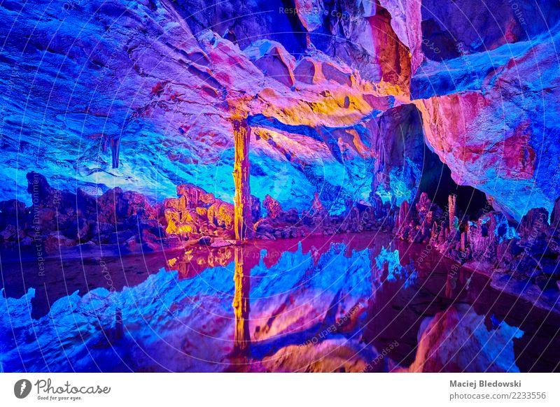 Bunte Höhle Tourismus Ausflug Natur Felsen See Stein Ferien & Urlaub & Reisen authentisch schön einzigartig natürlich blau rot Rohrflötenhöhle China Guilin
