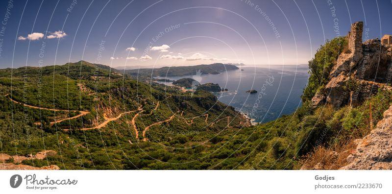 Panorama von Angelokastro | Paleokastritsa Landschaft Wasser Himmel Wolken Horizont Sommer Schönes Wetter Blume Sträucher Hügel Berge u. Gebirge Küste