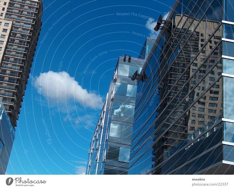Espejismo Wolken Gebäude Architektur Glas Spiegel Asymmetrie