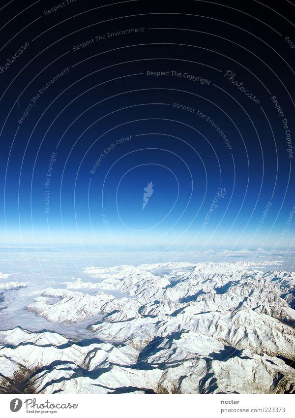 lucy in the sky Himmel Natur weiß blau Ferien & Urlaub & Reisen Ferne Erholung Schnee Freiheit Berge u. Gebirge Landschaft Umwelt Erde Eis Horizont