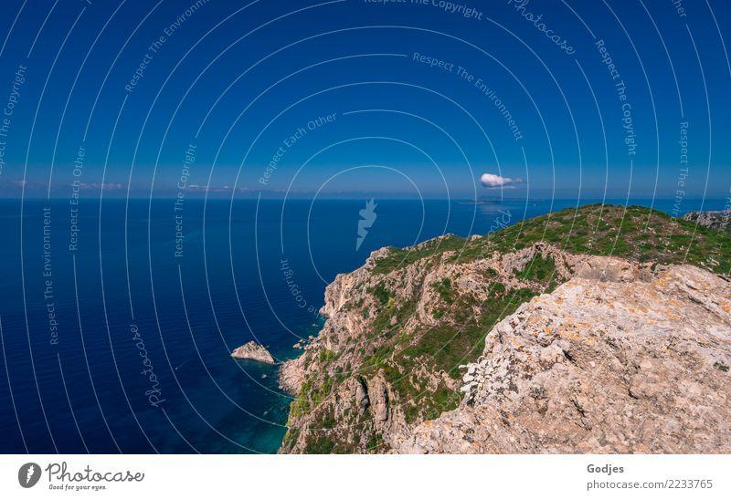 Landzunge bei Angelokastro III Landschaft Wasser Himmel Wolken Horizont Sommer Gras Sträucher Felsen Wellen Küste Meer Mittelmeer Korfu Sehenswürdigkeit