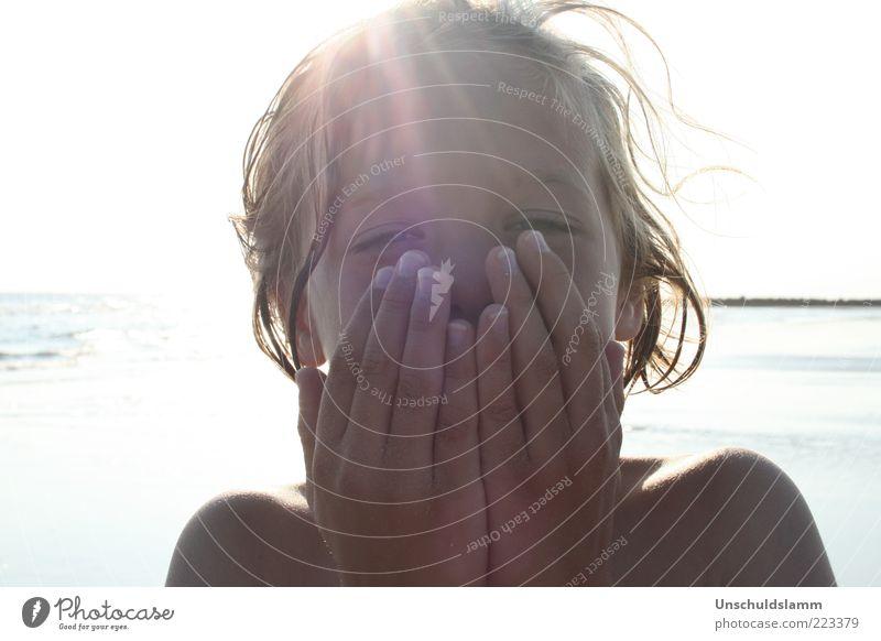 Sommerkind Mensch Kind Wasser Hand schön Sonne Sommer Meer Ferien & Urlaub & Reisen Gesicht Leben kalt Junge Freiheit Glück Haare & Frisuren