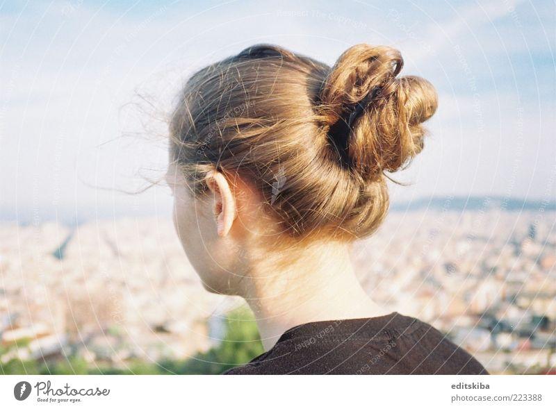 Goldenes Haar Haare & Frisuren Junge Frau Jugendliche 1 Mensch brünett langhaarig Pony schön Pferdeschwanz Behaarung mehrfarbig Außenaufnahme Detailaufnahme