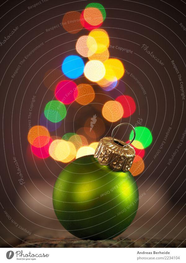 Grüne Christbaumkugel Dekoration & Verzierung Feste & Feiern Weihnachten & Advent Tradition Hintergrundbild festive flame focus holiday red reflection romantic