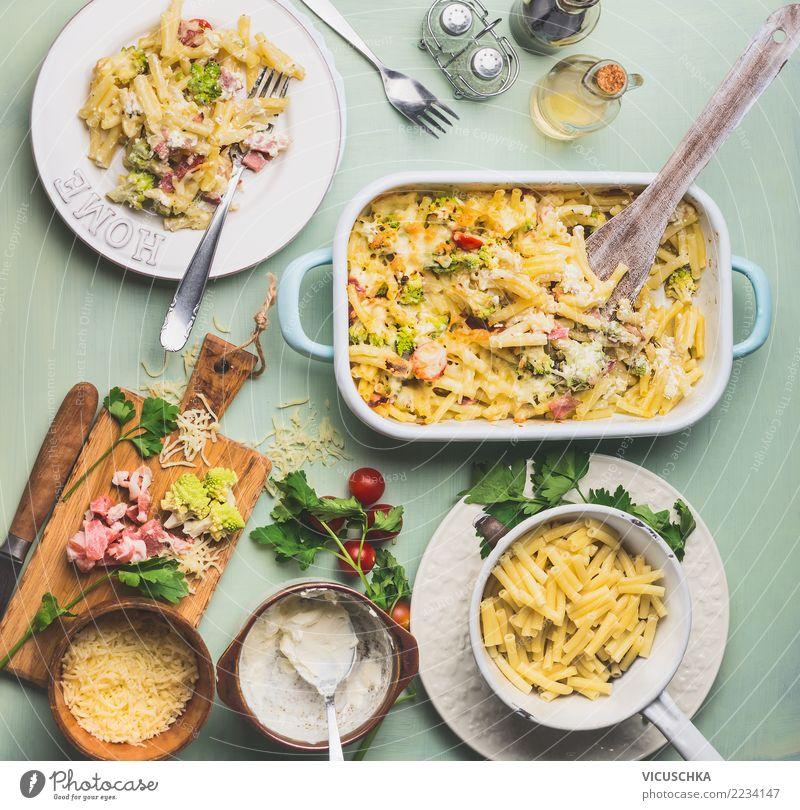 Mittageesn mit Nudelauflauf mit Romanesco Kohl und Schinken Gesunde Ernährung Foodfotografie Essen Stil Lebensmittel Design Kräuter & Gewürze Küche Gemüse
