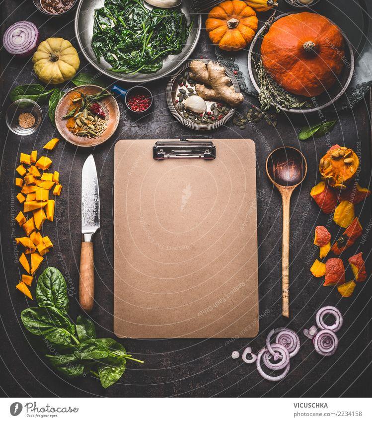 Hintergrund für Kürbis Kochrezepte oder Speisekarte Lebensmittel Gemüse Ernährung Abendessen Festessen Bioprodukte Vegetarische Ernährung Diät Slowfood Geschirr