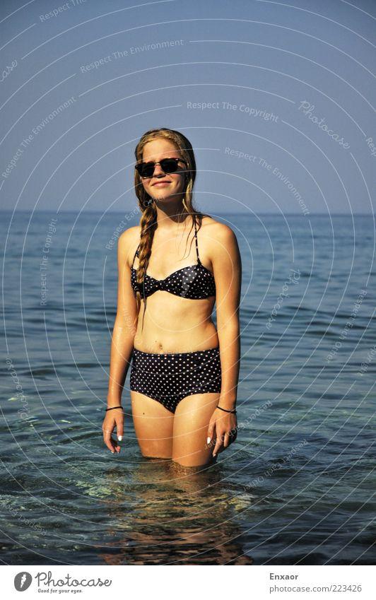 RetroSun Mensch Himmel Natur Jugendliche Wasser schön Sonne Sommer Strand Meer Ferien & Urlaub & Reisen feminin Haare & Frisuren Luft Körper