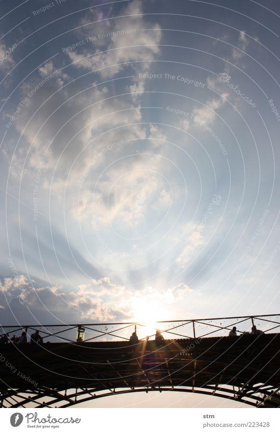 lovely paris Himmel Ferien & Urlaub & Reisen Sommer Sonne Wolken Ferne Architektur ästhetisch Ausflug Schönes Wetter Brücke Bauwerk Sonnenbad Frankreich Paris