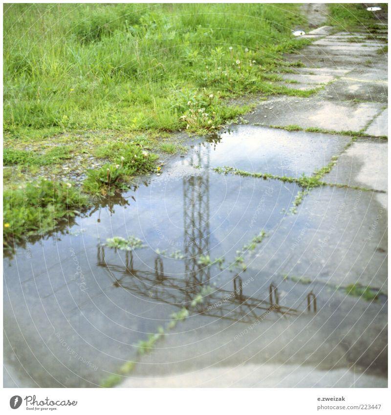 untitled 4 Wasser Gras Umwelt nass Beton Energiewirtschaft Elektrizität trist Stahl feucht Moos Strommast Pfütze Bodenplatten Wasserspiegelung