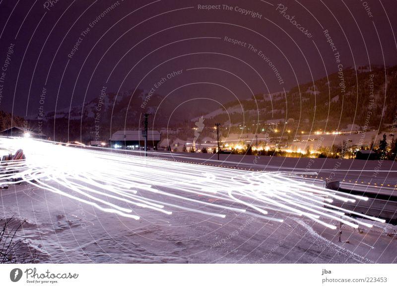 Schneeräumung Winter Straße Arbeit & Erwerbstätigkeit Berge u. Gebirge Bewegung Platz Energiewirtschaft Streifen Schweiz Reinigen Alpen Dorf leuchten