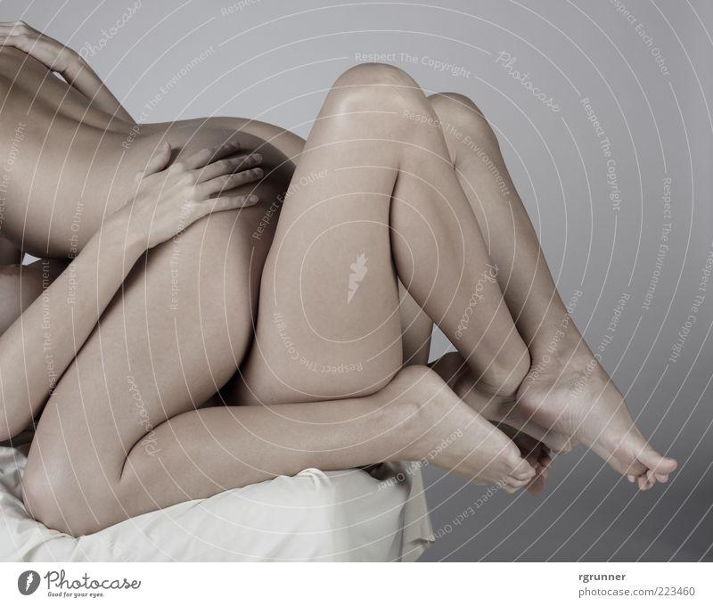 Akt Frau Mensch Jugendliche schön Freude Liebe Erotik nackt feminin Fuß Beine Erwachsene festhalten niedlich