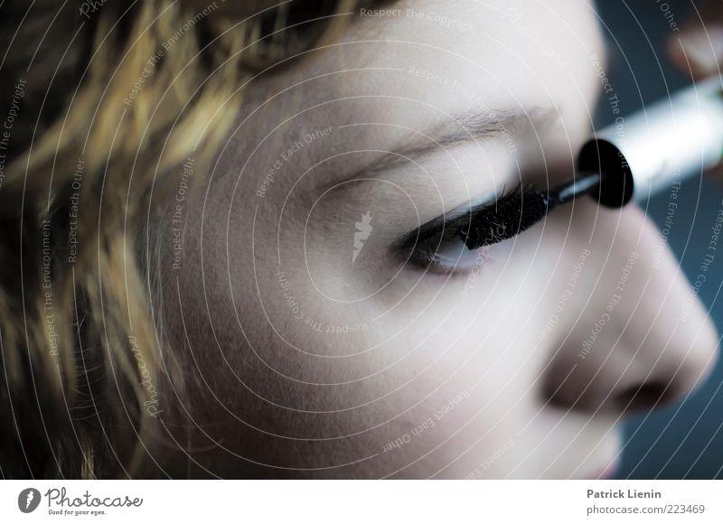 composure Lifestyle elegant Stil schön Körperpflege Haut Gesicht Kosmetik Schminke Wimperntusche Mensch feminin Junge Frau Jugendliche Erwachsene