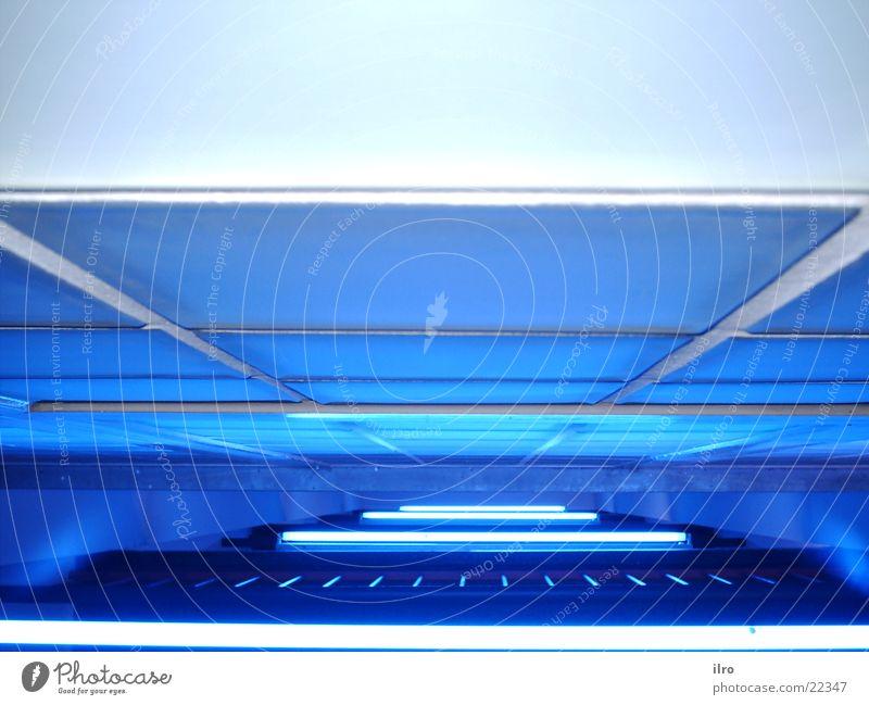 blaues Treppenhaus II Beleuchtung Architektur Neonlicht Glasbaustein