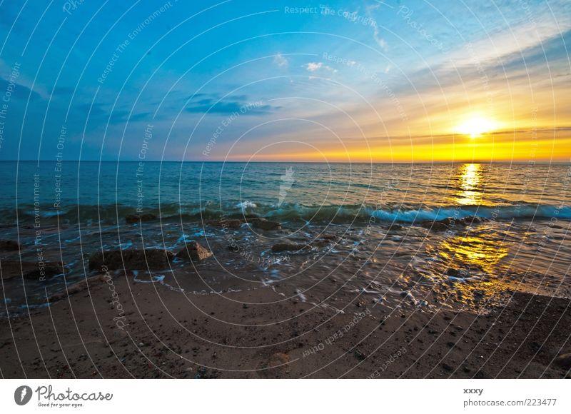 Brodtener Ufer bei Sonnenaufgang Erholung ruhig Ferne Meer Natur Landschaft Erde Wasser Himmel Horizont Sonnenuntergang Wellen Küste Strand Ostsee Stein Sand