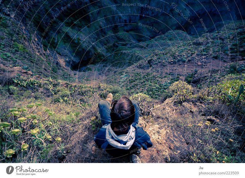 Voran kommen Natur Leben Berge u. Gebirge Landschaft Umwelt Angst Erde Ausflug wandern Abenteuer hoch bedrohlich Ende Zukunftsangst abwärts