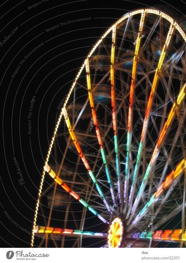 Riesenrad bei Nacht Jahrmarkt Langzeitbelichtung mehrfarbig drehen Freizeit & Hobby Farbe kirchweih