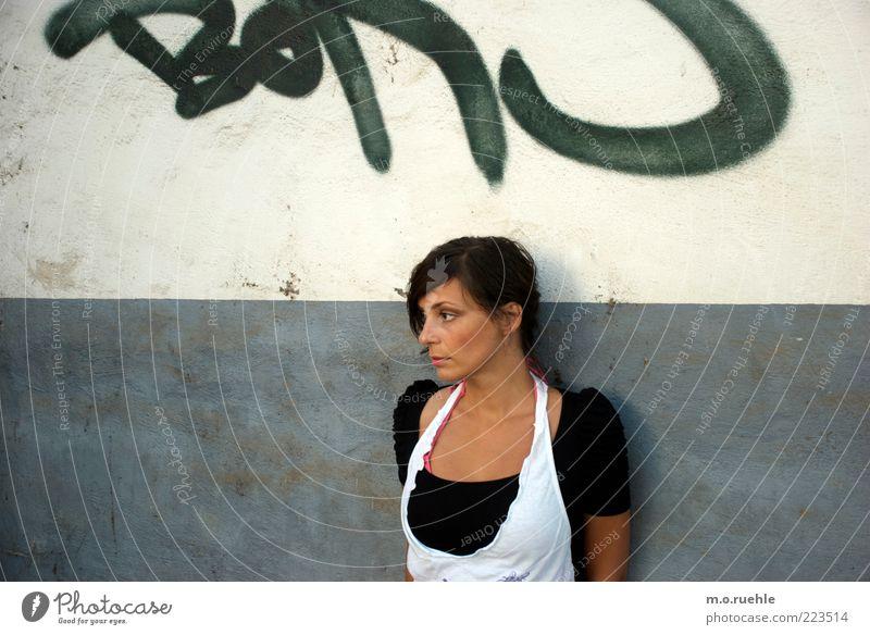 letters Mensch Jugendliche weiß schön Erwachsene Gesicht Auge feminin Wand Gefühle Graffiti Kopf Haare & Frisuren Stil Traurigkeit träumen