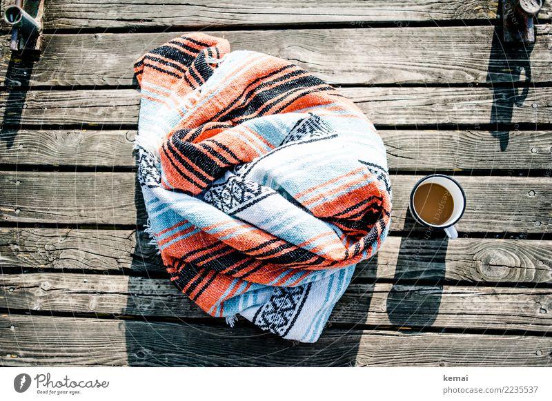 Decke, Kaffee, Morgensonne Ferien & Urlaub & Reisen Sommer schön Sonne Wärme Lifestyle Holz Stil Freiheit Design Ausflug Freizeit & Hobby Zufriedenheit
