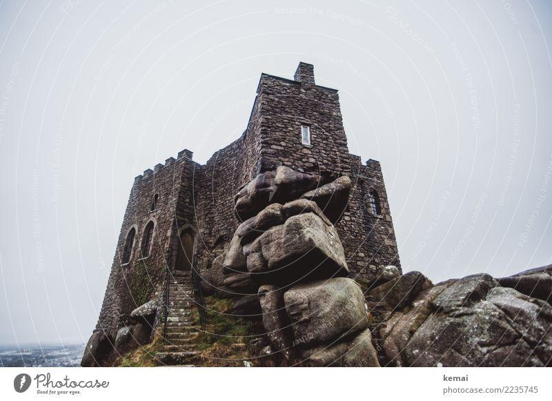 Old castle Himmel Ferien & Urlaub & Reisen alt Einsamkeit Wolken Winter Stein grau Ausflug Regen Wetter trist authentisch Abenteuer Insel hoch