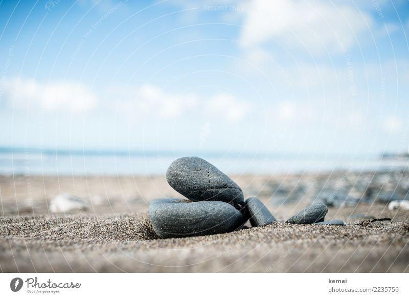 Small but big Himmel Natur Ferien & Urlaub & Reisen blau schön Meer Erholung Wolken ruhig Strand Umwelt Küste Freiheit Stein Sand Ausflug