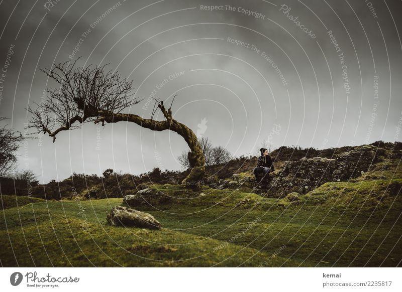 Warten im Moor Mensch Himmel Natur Landschaft Baum Erholung Einsamkeit Wolken ruhig Ferne dunkel Erwachsene Leben Lifestyle Wand Umwelt