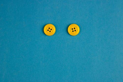Knopflochmonster blau Freude Gesicht Auge gelb Zufriedenheit 2 paarweise Zeichen Kunststoff Knöpfe Smiley