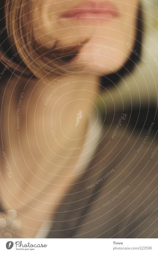 500 miles Mensch Jugendliche feminin Glück Haare & Frisuren Erwachsene Mund Zufriedenheit Fröhlichkeit brünett Lebensfreude Lächeln Hals Halskette Frau Junge Frau