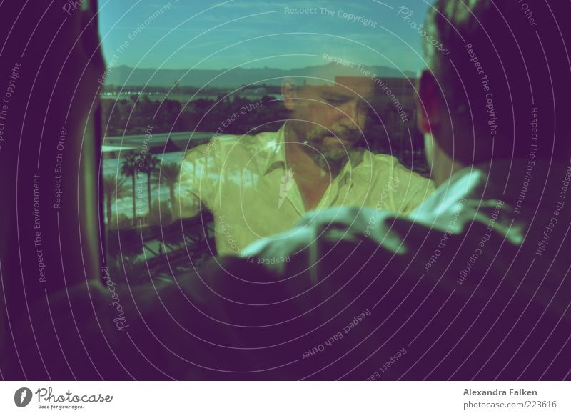 Mann am Fenster VIII Lifestyle Reichtum Mensch maskulin Erwachsene Leben 1 30-45 Jahre Blick stehen warten ästhetisch elegant retro Entschlossenheit seriös