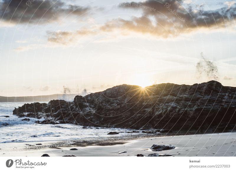 Splash. Himmel Natur Ferien & Urlaub & Reisen schön Wasser Sonne Meer Erholung Wolken ruhig Strand Leben Lifestyle Umwelt Küste außergewöhnlich