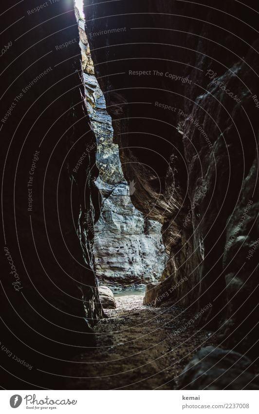 Einschnitt ruhig Freizeit & Hobby Ferien & Urlaub & Reisen Ausflug Abenteuer Freiheit Expedition Strand Umwelt Natur Landschaft Felsen Küste Höhle Eingang