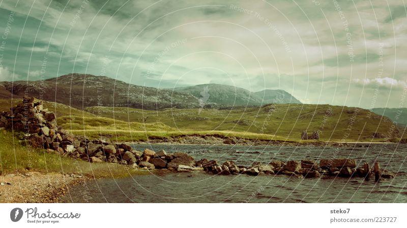 echte Schottlandbilder haben 'ne Ruine Himmel Sommer Meer Ferien & Urlaub & Reisen Wolken Ferne Einsamkeit Wiese Berge u. Gebirge Gras Küste Hügel Verfall