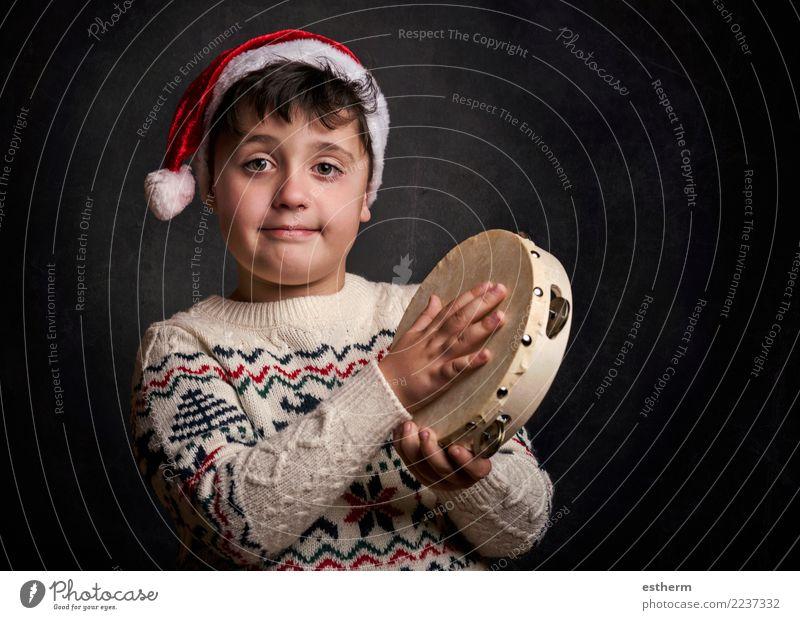 Kind, das Weihnachtslied an Weihnachten singt Mensch Weihnachten & Advent Freude Lifestyle Gefühle Glück Feste & Feiern Party maskulin Kindheit Lächeln genießen